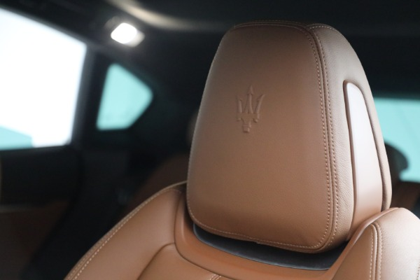 Used 2018 Maserati Levante GranSport for sale Sold at Bentley Greenwich in Greenwich CT 06830 16