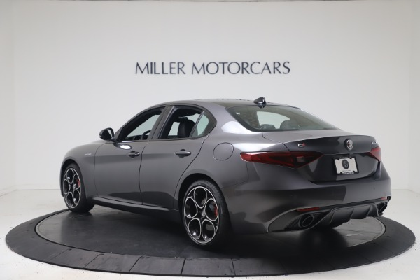 New 2022 Alfa Romeo Giulia Veloce for sale $52,845 at Bentley Greenwich in Greenwich CT 06830 5