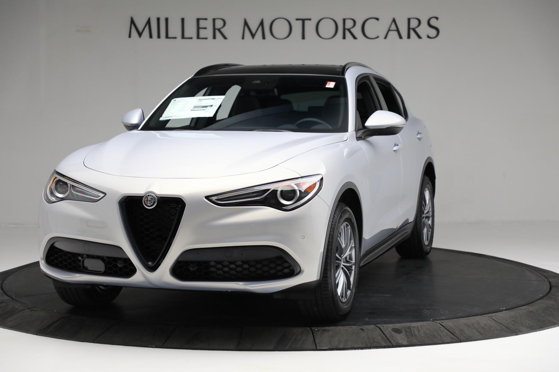 New 2022 Alfa Romeo Stelvio Sprint for sale $51,105 at Bentley Greenwich in Greenwich CT 06830 1