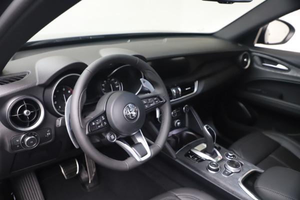 New 2022 Alfa Romeo Stelvio Sprint for sale $52,305 at Bentley Greenwich in Greenwich CT 06830 13