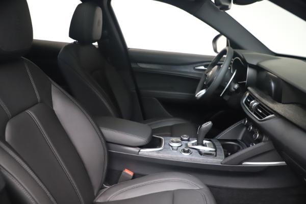 New 2022 Alfa Romeo Stelvio Sprint for sale $52,305 at Bentley Greenwich in Greenwich CT 06830 19