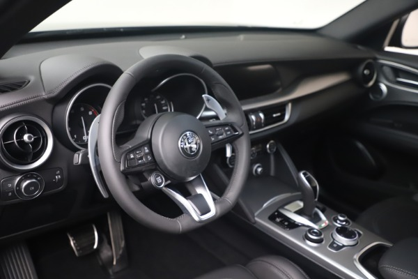 New 2022 Alfa Romeo Stelvio Veloce for sale Sold at Bentley Greenwich in Greenwich CT 06830 13