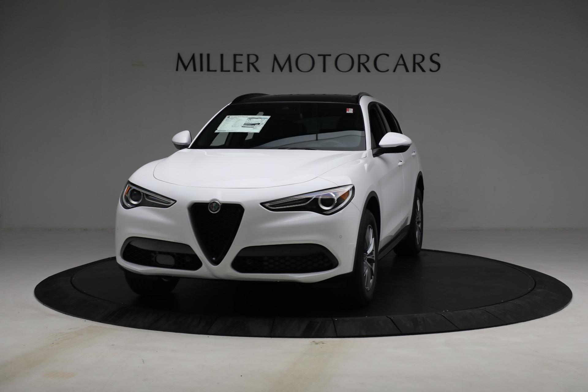 New 2022 Alfa Romeo Stelvio Sprint for sale $50,445 at Bentley Greenwich in Greenwich CT 06830 1