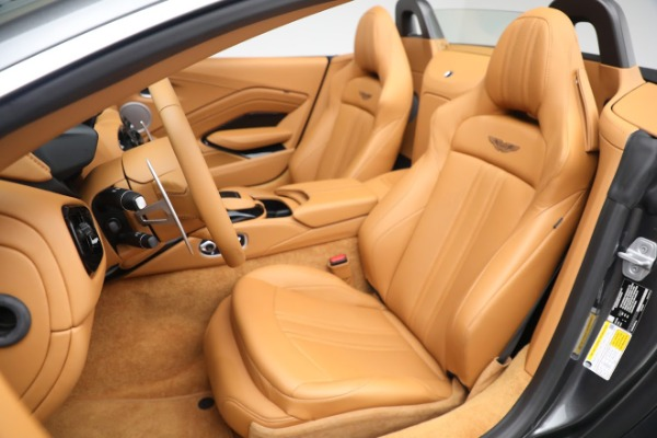 New 2021 Aston Martin Vantage Roadster for sale $174,586 at Bentley Greenwich in Greenwich CT 06830 14