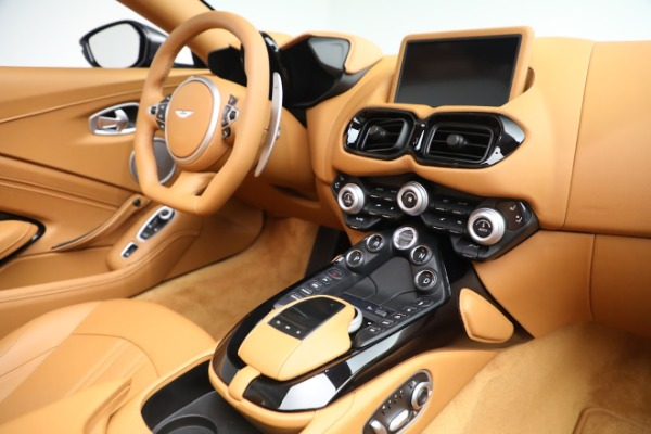 New 2021 Aston Martin Vantage Roadster for sale $174,586 at Bentley Greenwich in Greenwich CT 06830 16