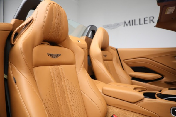 New 2021 Aston Martin Vantage Roadster for sale $174,586 at Bentley Greenwich in Greenwich CT 06830 17