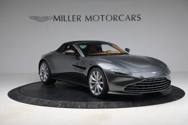 New 2021 Aston Martin Vantage Roadster for sale $174,586 at Bentley Greenwich in Greenwich CT 06830 22
