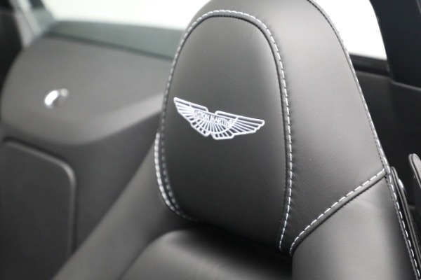 New 2021 Aston Martin Vantage Roadster for sale $180,286 at Bentley Greenwich in Greenwich CT 06830 17
