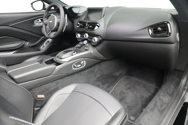 New 2021 Aston Martin Vantage Roadster for sale $180,286 at Bentley Greenwich in Greenwich CT 06830 18