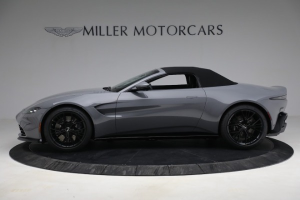 New 2021 Aston Martin Vantage Roadster for sale $180,286 at Bentley Greenwich in Greenwich CT 06830 22
