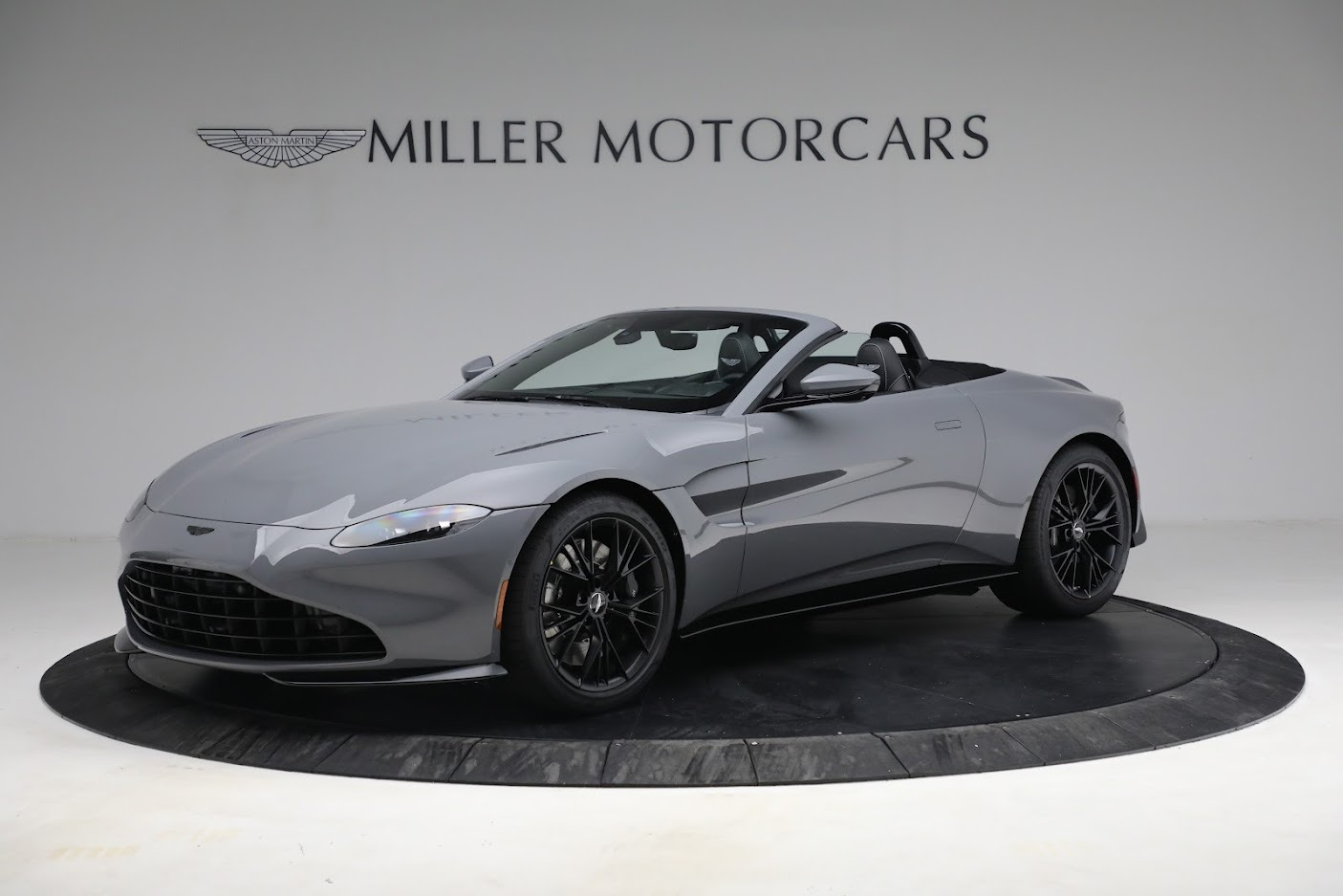 New 2021 Aston Martin Vantage Roadster for sale $180,286 at Bentley Greenwich in Greenwich CT 06830 1
