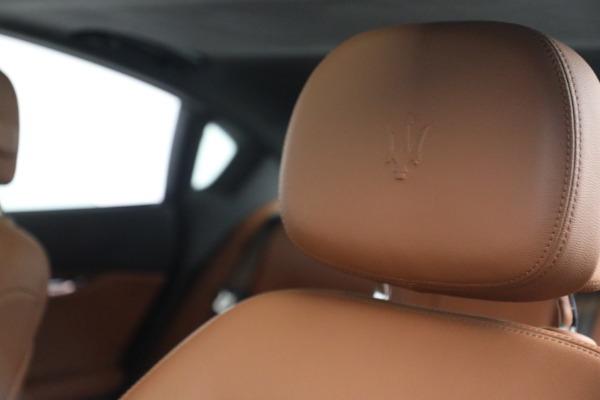 Used 2016 Maserati Quattroporte S Q4 for sale $46,900 at Bentley Greenwich in Greenwich CT 06830 16