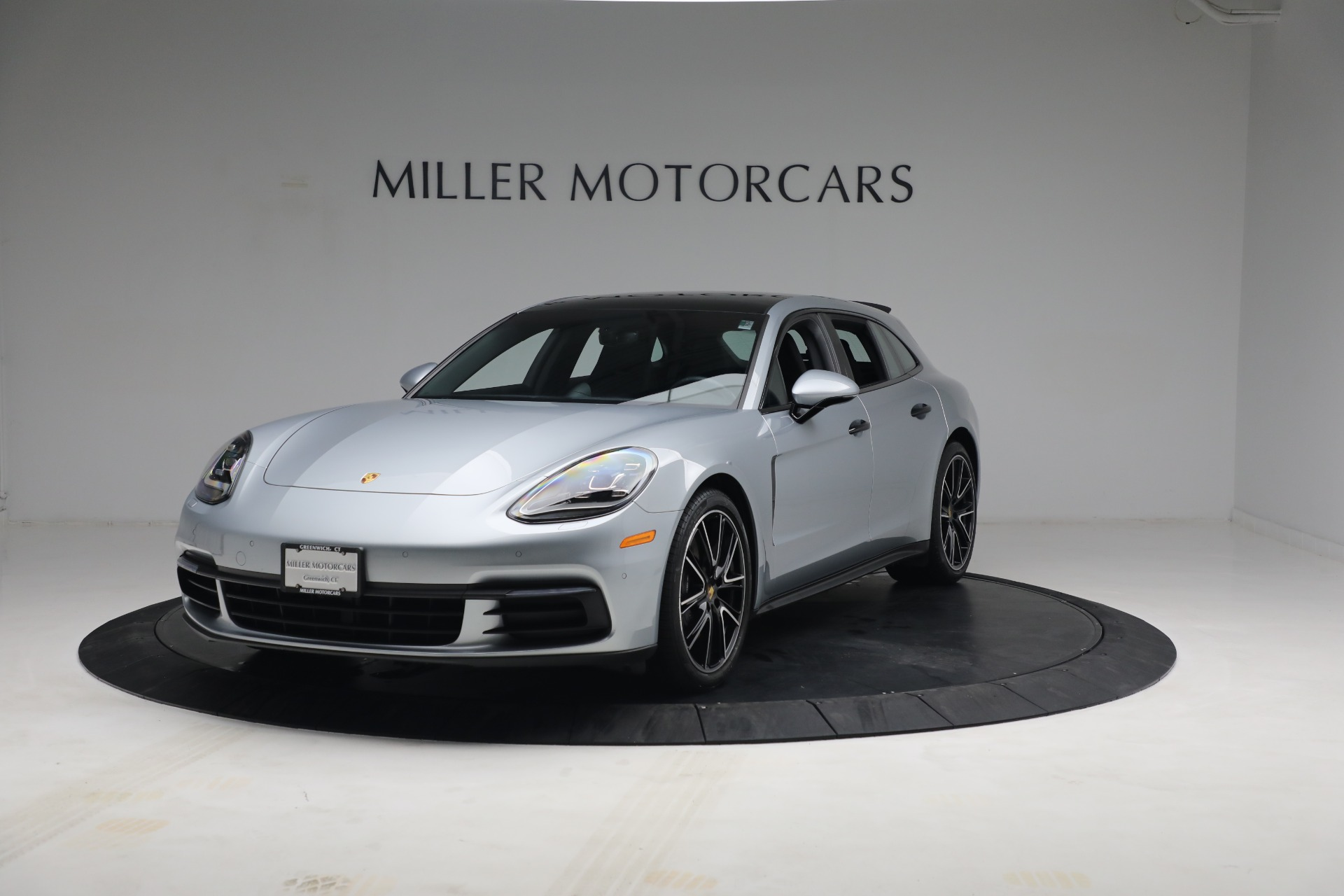 Used 2018 Porsche Panamera 4 Sport Turismo for sale $97,900 at Bentley Greenwich in Greenwich CT 06830 1