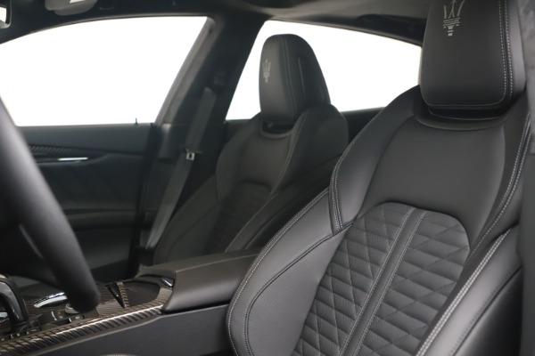 New 2022 Maserati Quattroporte Modena Q4 for sale $131,195 at Bentley Greenwich in Greenwich CT 06830 15