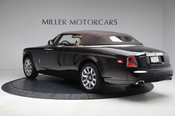 Used 2015 Rolls-Royce Phantom Drophead Coupe for sale Call for price at Bentley Greenwich in Greenwich CT 06830 18