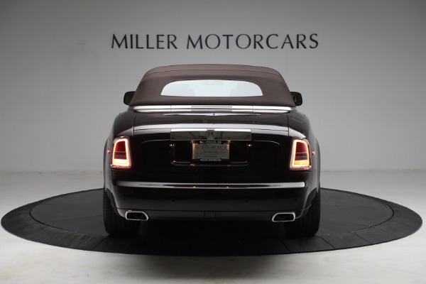 Used 2015 Rolls-Royce Phantom Drophead Coupe for sale Call for price at Bentley Greenwich in Greenwich CT 06830 19