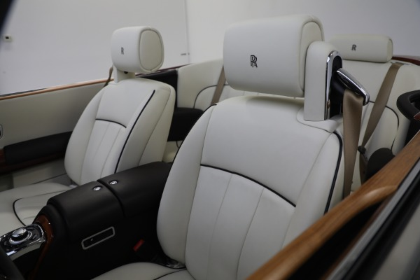 Used 2015 Rolls-Royce Phantom Drophead Coupe for sale Call for price at Bentley Greenwich in Greenwich CT 06830 25