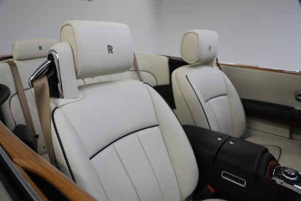 Used 2015 Rolls-Royce Phantom Drophead Coupe for sale Call for price at Bentley Greenwich in Greenwich CT 06830 26