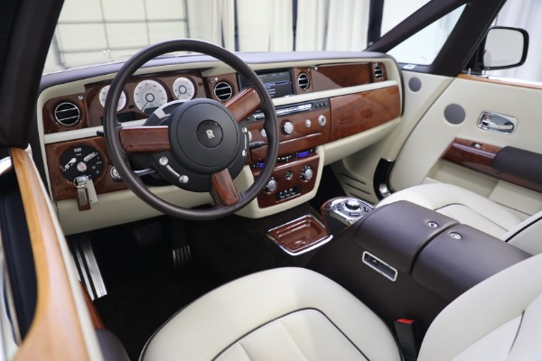 Used 2015 Rolls-Royce Phantom Drophead Coupe for sale Call for price at Bentley Greenwich in Greenwich CT 06830 27