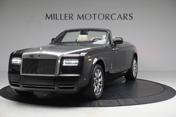 Used 2015 Rolls-Royce Phantom Drophead Coupe for sale Call for price at Bentley Greenwich in Greenwich CT 06830 1