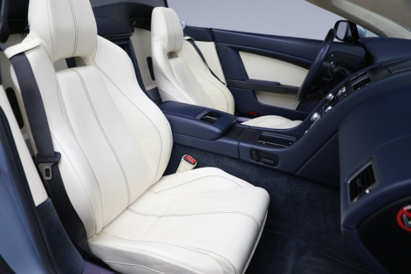 Used 2009 Aston Martin V8 Vantage Roadster for sale Call for price at Bentley Greenwich in Greenwich CT 06830 20
