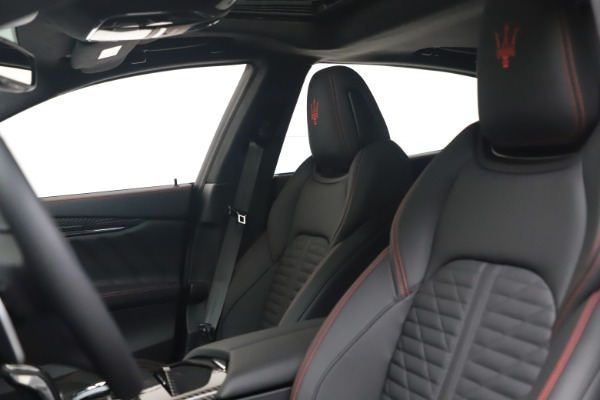 New 2022 Maserati Quattroporte Modena Q4 for sale $128,775 at Bentley Greenwich in Greenwich CT 06830 14