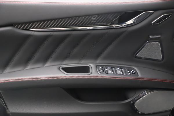 New 2022 Maserati Quattroporte Modena Q4 for sale $128,775 at Bentley Greenwich in Greenwich CT 06830 15