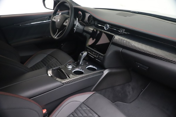 New 2022 Maserati Quattroporte Modena Q4 for sale $128,775 at Bentley Greenwich in Greenwich CT 06830 17