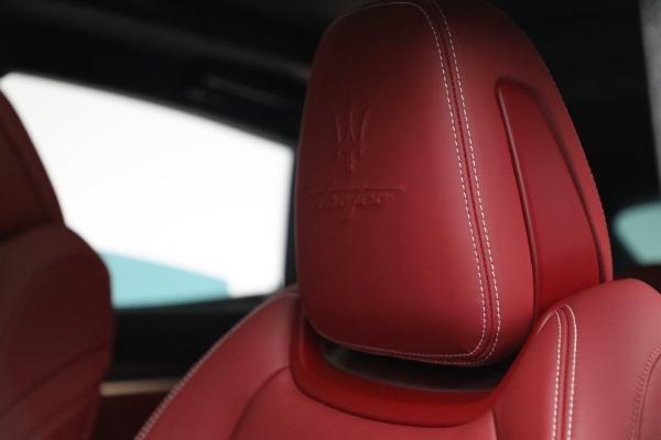 New 2022 Maserati Levante Trofeo for sale $155,045 at Bentley Greenwich in Greenwich CT 06830 16