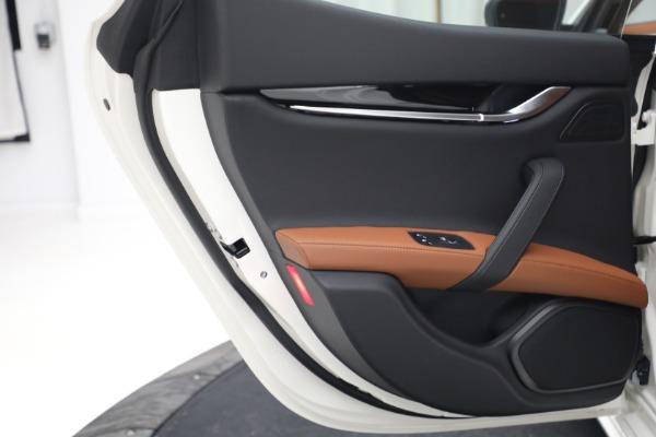 New 2022 Maserati Ghibli Modena Q4 for sale $86,645 at Bentley Greenwich in Greenwich CT 06830 23
