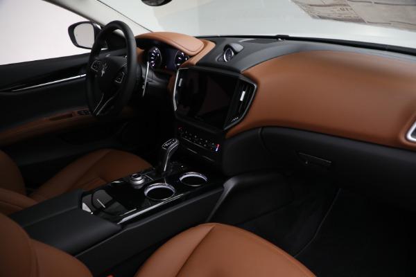 New 2022 Maserati Ghibli Modena Q4 for sale $86,645 at Bentley Greenwich in Greenwich CT 06830 24