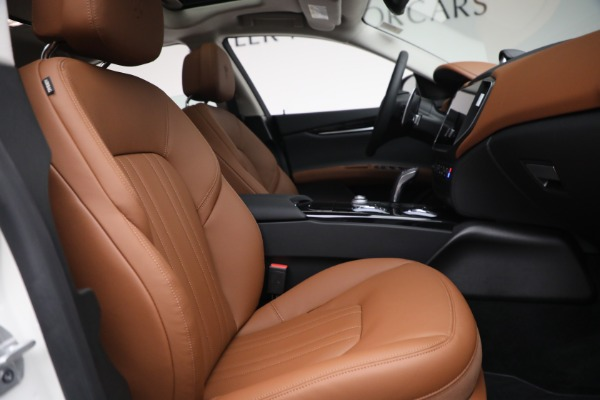 New 2022 Maserati Ghibli Modena Q4 for sale $86,645 at Bentley Greenwich in Greenwich CT 06830 25