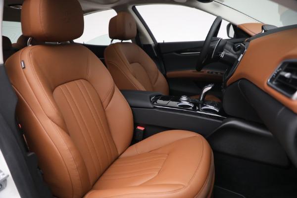 New 2022 Maserati Ghibli Modena Q4 for sale $86,645 at Bentley Greenwich in Greenwich CT 06830 26