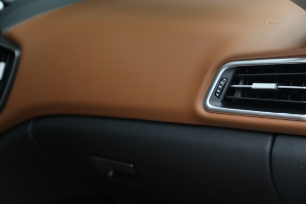 New 2022 Maserati Ghibli Modena Q4 for sale $86,645 at Bentley Greenwich in Greenwich CT 06830 27