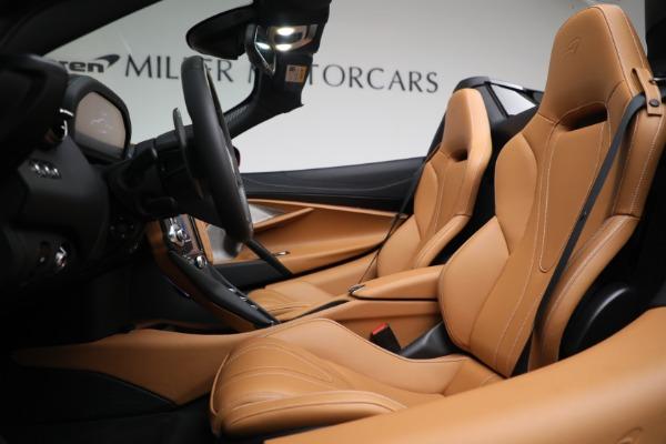 New 2022 McLaren 720S Spider for sale $382,090 at Bentley Greenwich in Greenwich CT 06830 21