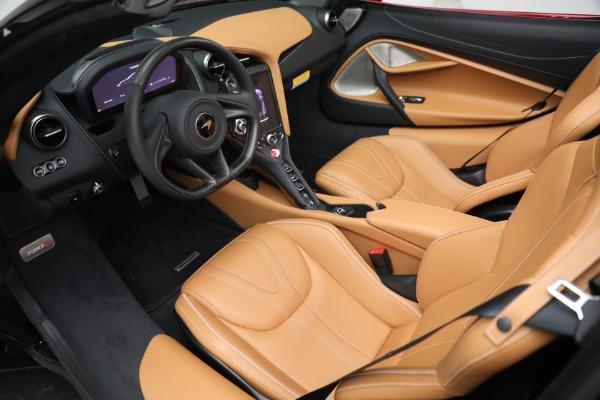 New 2022 McLaren 720S Spider for sale $382,090 at Bentley Greenwich in Greenwich CT 06830 23