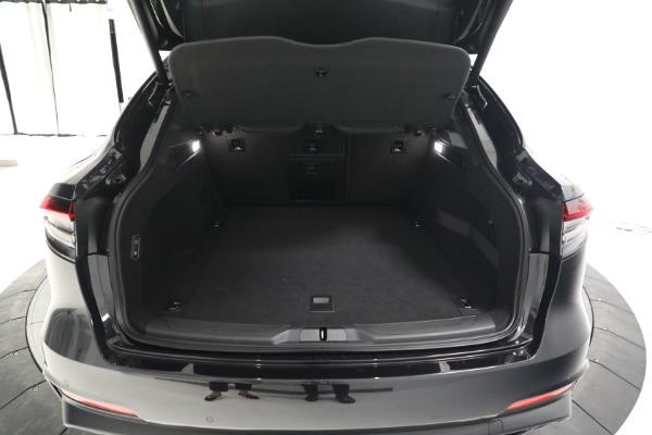 New 2022 Maserati Levante Modena for sale $108,775 at Bentley Greenwich in Greenwich CT 06830 18
