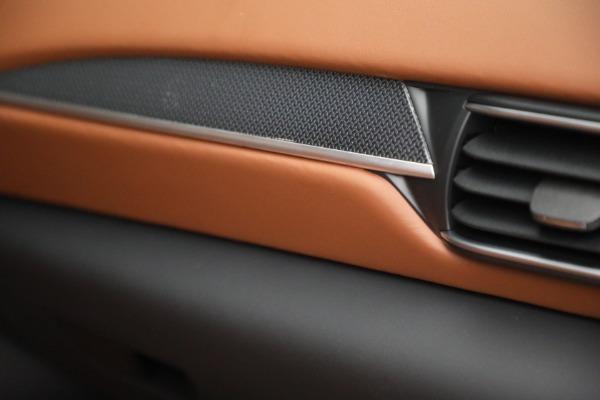 New 2022 Maserati Levante Modena for sale $104,545 at Bentley Greenwich in Greenwich CT 06830 27