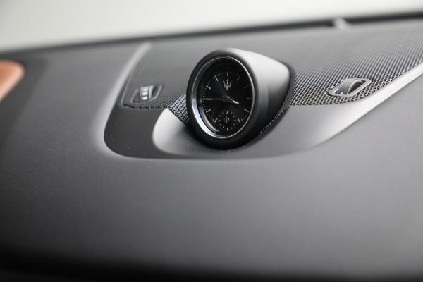 New 2022 Maserati Levante Modena for sale $104,545 at Bentley Greenwich in Greenwich CT 06830 28