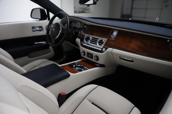 Used 2016 Rolls-Royce Dawn for sale $239,900 at Bentley Greenwich in Greenwich CT 06830 28