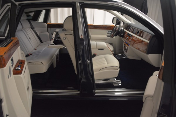 Used 2011 Rolls-Royce Phantom for sale Sold at Bentley Greenwich in Greenwich CT 06830 18