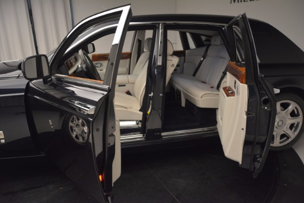 Used 2011 Rolls-Royce Phantom for sale Sold at Bentley Greenwich in Greenwich CT 06830 5