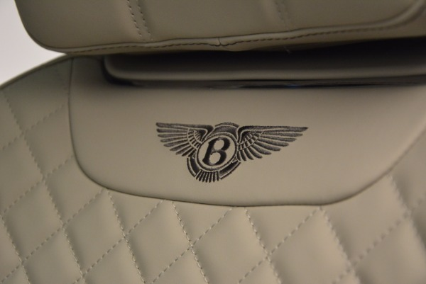 Used 2017 Bentley Bentayga for sale Sold at Bentley Greenwich in Greenwich CT 06830 26