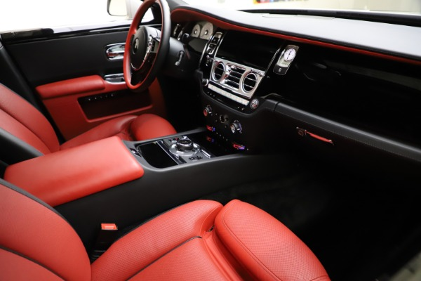Used 2017 Rolls-Royce Ghost for sale $209,900 at Bentley Greenwich in Greenwich CT 06830 17