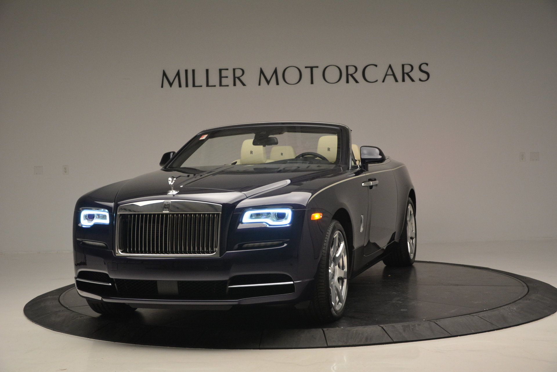 New 2016 Rolls-Royce Dawn for sale Sold at Bentley Greenwich in Greenwich CT 06830 1