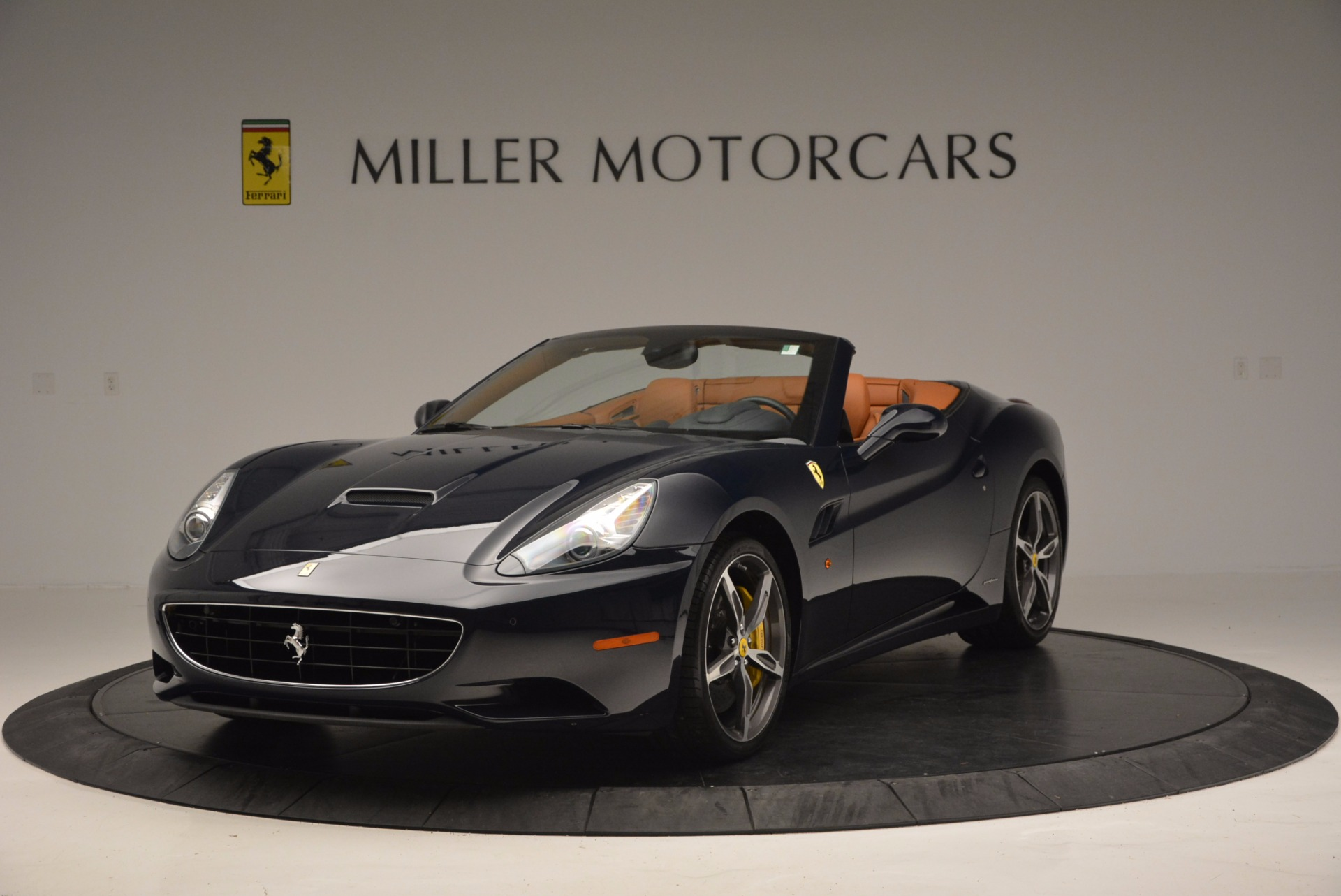 Used 2013 Ferrari California 30 for sale Sold at Bentley Greenwich in Greenwich CT 06830 1