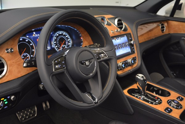 New 2017 Bentley Bentayga for sale Sold at Bentley Greenwich in Greenwich CT 06830 27