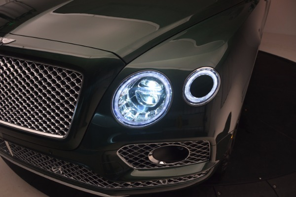 Used 2017 Bentley Bentayga W12 for sale $135,900 at Bentley Greenwich in Greenwich CT 06830 17