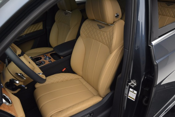 New 2017 Bentley Bentayga for sale Sold at Bentley Greenwich in Greenwich CT 06830 24