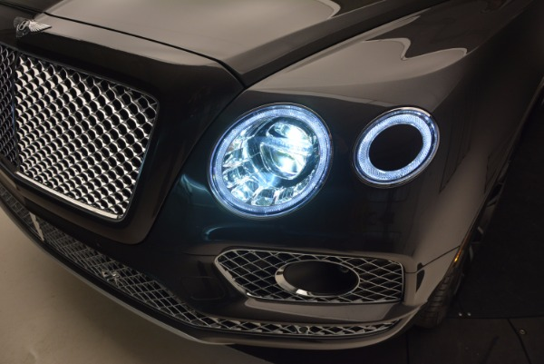 Used 2017 Bentley Bentayga W12 for sale Call for price at Bentley Greenwich in Greenwich CT 06830 20